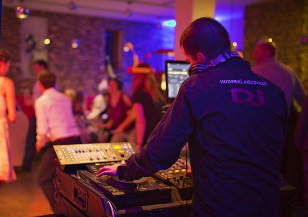 DJ na oslavu