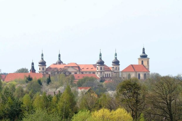 Kostelci nad Černými lesy (zámek)