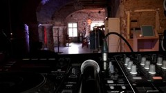 pohled od DJe do prostoru