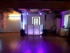 taneční parket a DJ stage