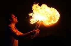 ohnivá barmanksá show