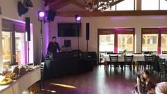 DJ stage a taneční parket