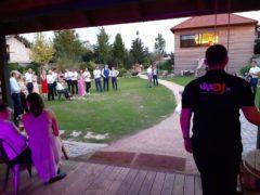 svatební soutěže v zahradě