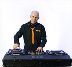 Míla - Váš DJ na firemní akci