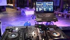 Swiss restaurant - pohled od DJe