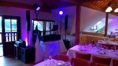 DJ na svatebním obědě