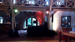DJ stage v hlavním sále
