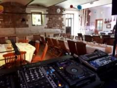 stanoviště DJ
