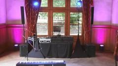 DJ v pavilonu - v čele