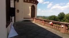 terasa u Rytířského sálu - odposlech